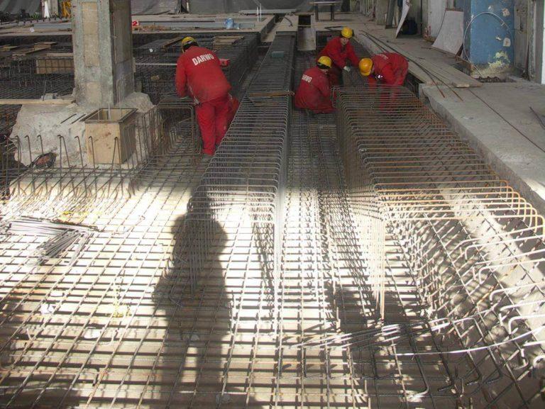 02-ruukki-oborniki-fundament-pod-maszyne-deskowanie-zbrojenie-montaz
