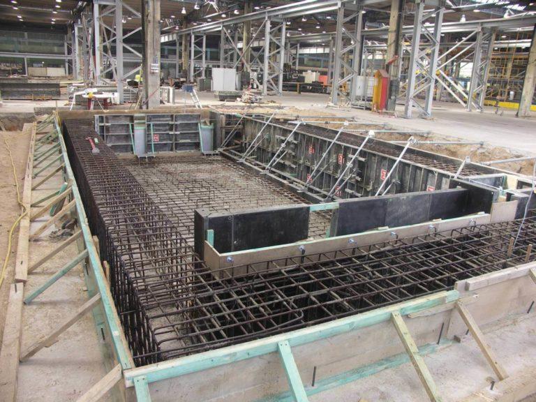 10-ruukki-oborniki-fundament-pod-maszyne-deskowanie-zbrojenie-montaz